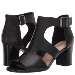 Clarks Women's Deva Heidi Sandal, Black Leather